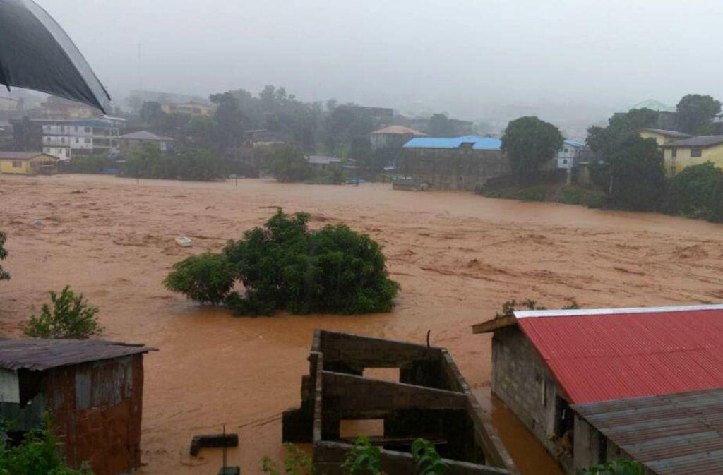 Überschwemmungen haben zahlreiche Menschenleben in Sierra Leone gefordert. Foto: AP