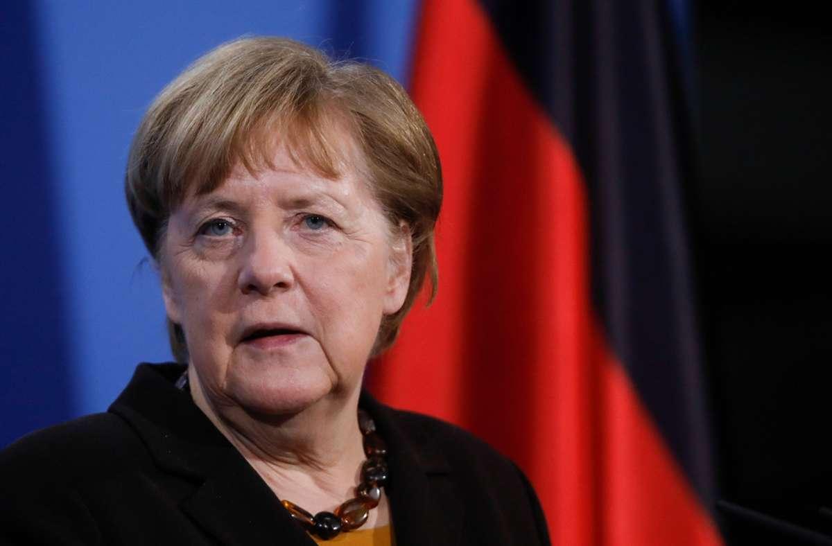 Die Bundesregierung respektiere auch das Demonstrationsrecht, so Merkels Sprecher Steffen Seibert. (Archivbild) Foto: dpa/Markus Schreiber