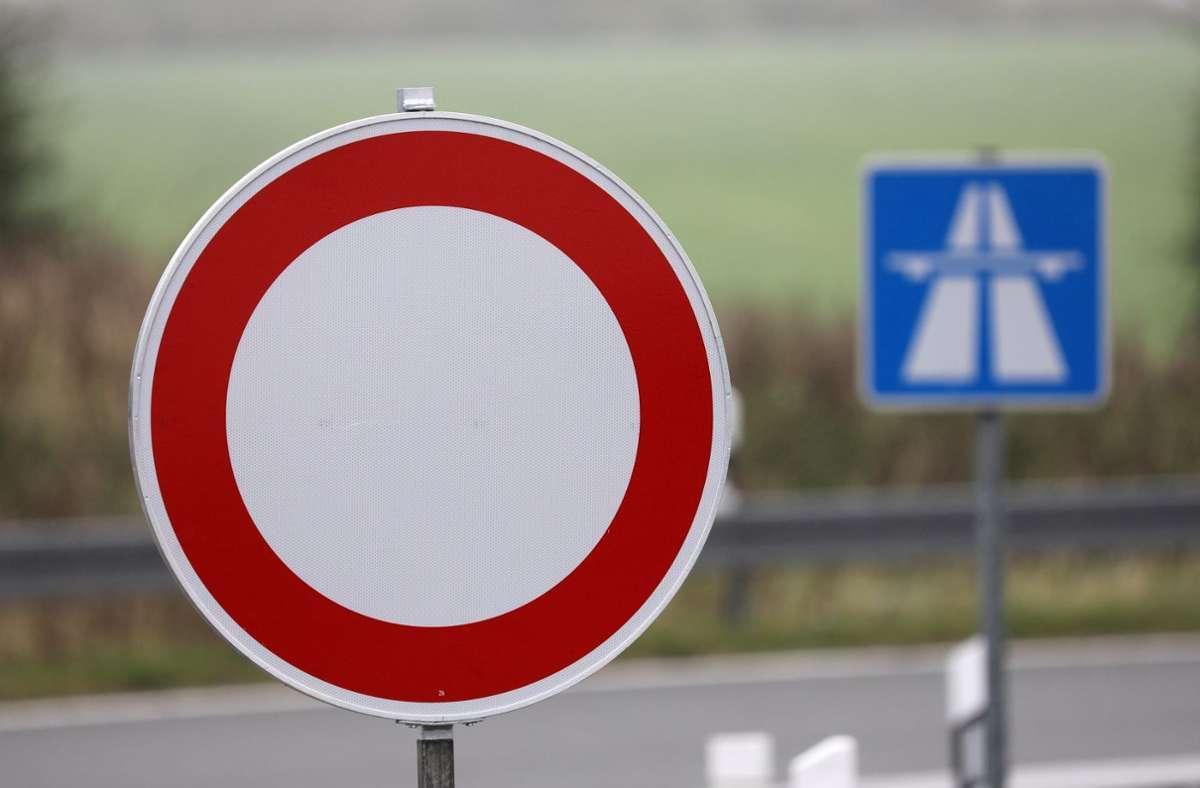 Die A5 konnte lange nicht befahren werden (Symbolbild). Foto: dpa/Bernd Wüstneck