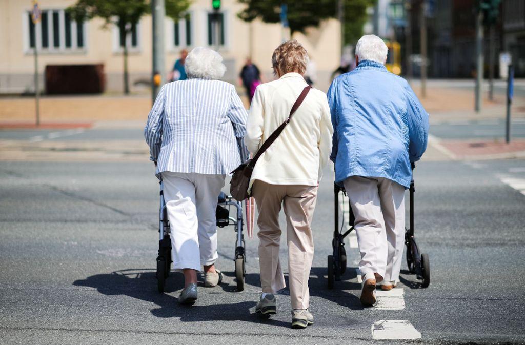 Künftige Rentner müssen sich auf sinkenden Lebensstandard im Ruhestand einstellen. Foto: dpa