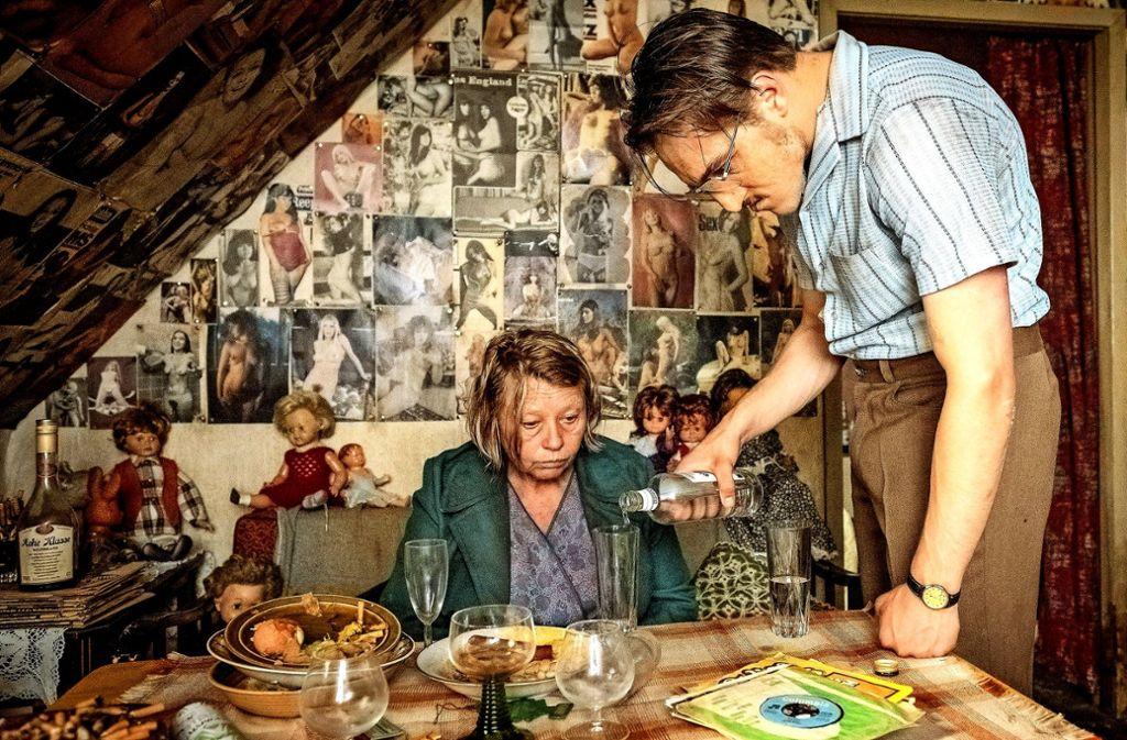 """70er-Jahre Tristesse: Jonas Dassler als Fritz Honka, Margarete Tiesel als Gerda Voss in """"Der goldene Handschuh"""" Foto: Berlinale"""