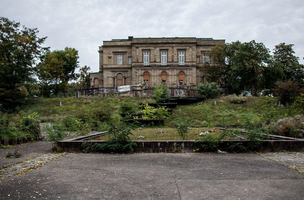 Zugewuchert: Die Villa Berg droht zu verfallen. Foto: Lichtgut/Leif Piechowski