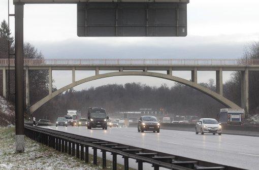 Autobahn A 8 bei Stuttgart voll gesperrt