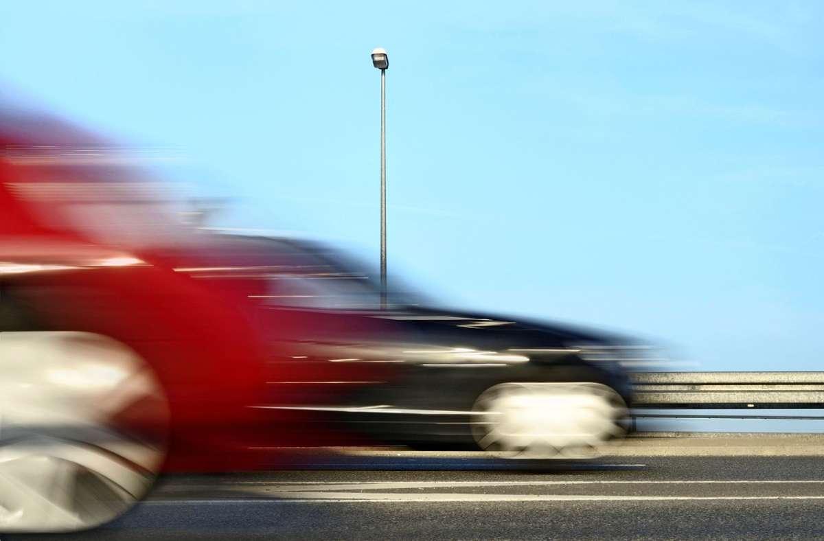 Illegale Autorennen können für Passanten lebensgefährlich werden. Foto: Adobe Stock/gradt