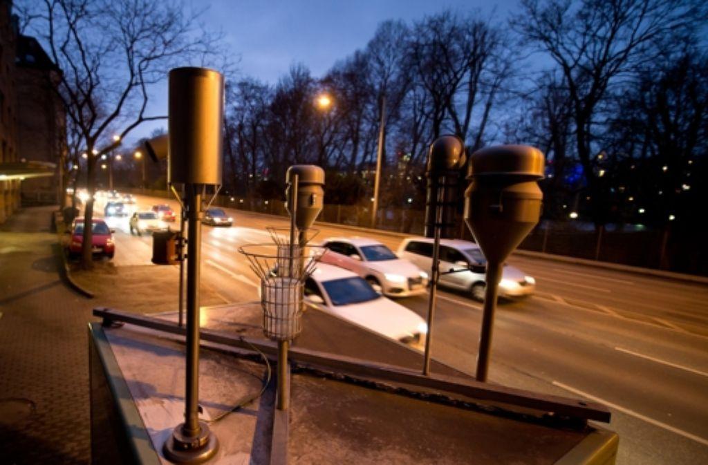 Am Neckartor liegen die Feinstaubwerte seit zehn Jahren weit über dem gesetzlichen Limit. Foto: dpa
