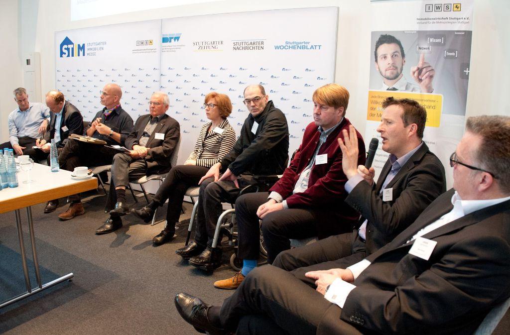 Stadträte diskutierten mit Immobilienexperten im Haus der Wirtschaft die Lage auf dem Wohnungsmarkt. Foto: Lichtgut - Oliver Willikonsky