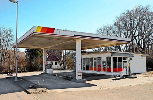 Wer entsorgt  15000 Liter verunreinigtes Benzin?