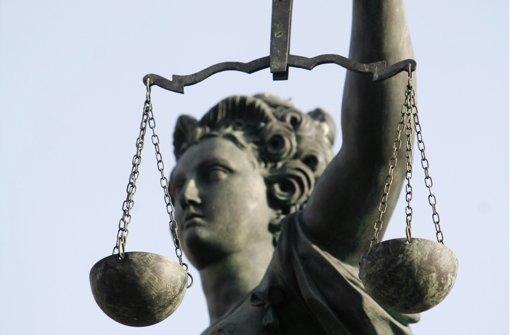 Gericht vertagt  Entscheidung