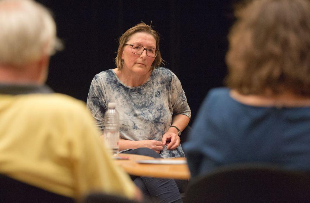 Redakteurin Renate Allgöwer nimmt Schulbildung sehr ernst. Über das thema lässt sich trefflich streiten. Foto: Lichtgut - Oliver Willikonsky