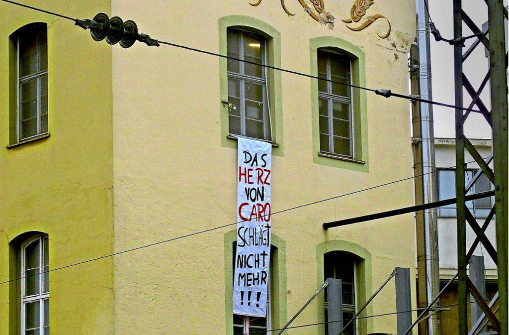 Transparent an der Werkswand: Der charakteristische Röst-Duft wird diesen Mauern künftig nicht mehr entströmen. Foto: privat
