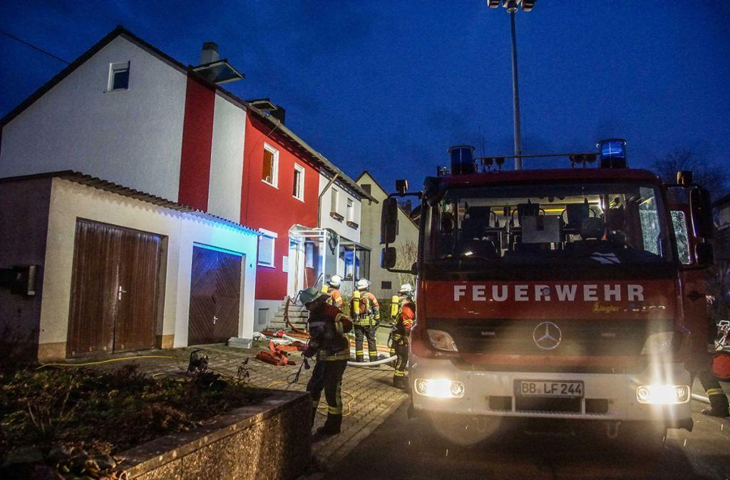Mit 50 Rettern ist die Feuerwehr Weil der Stadt im Einsatz. Foto: SDMG/Dettenmeyer