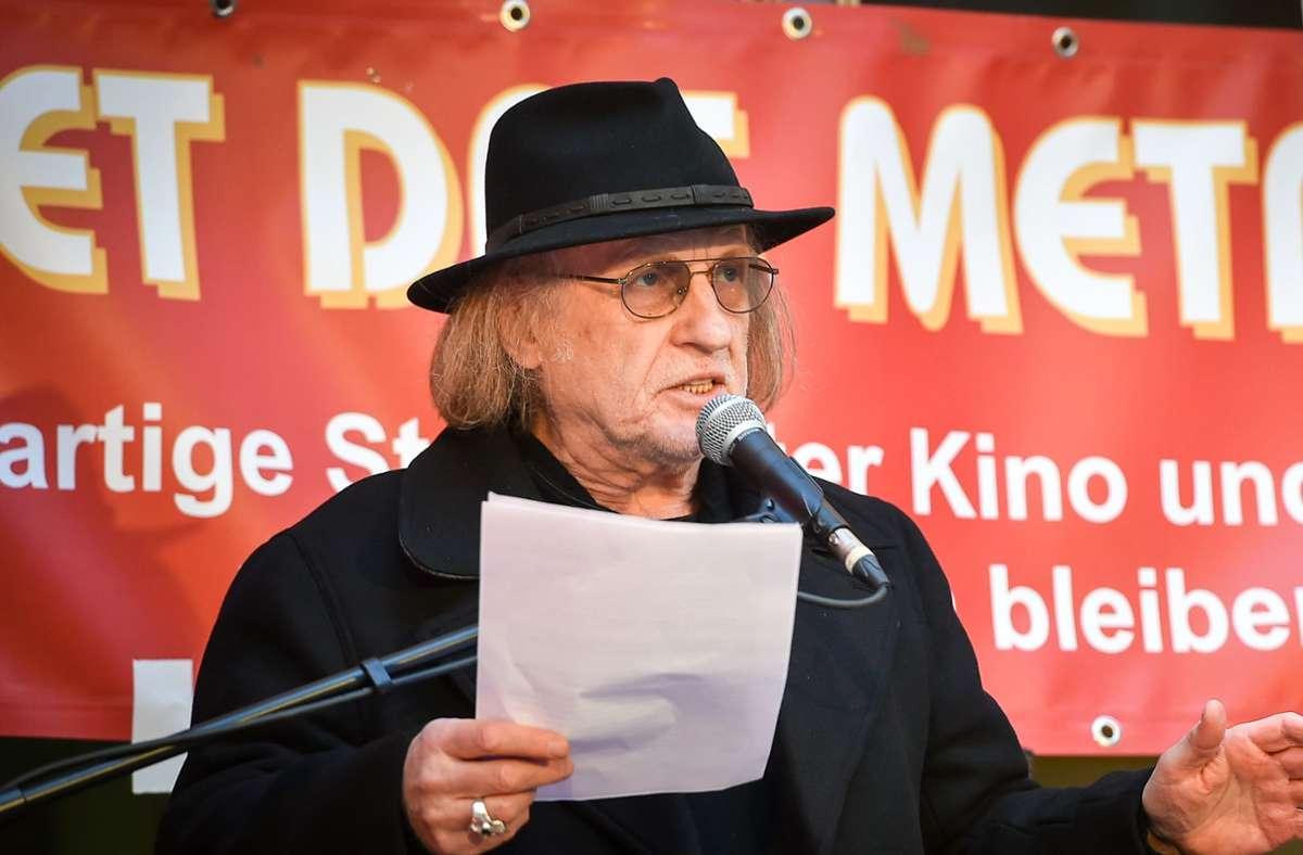 Der Autor Joe Bauer (hier als Redner bei einer Demo für die Rettung der Kultur im Metropol) ist einer von vier Gründern der Stuttgarter Künstler*innensoforthilfe. Foto: Lichtgut - Ferdinando Iannone