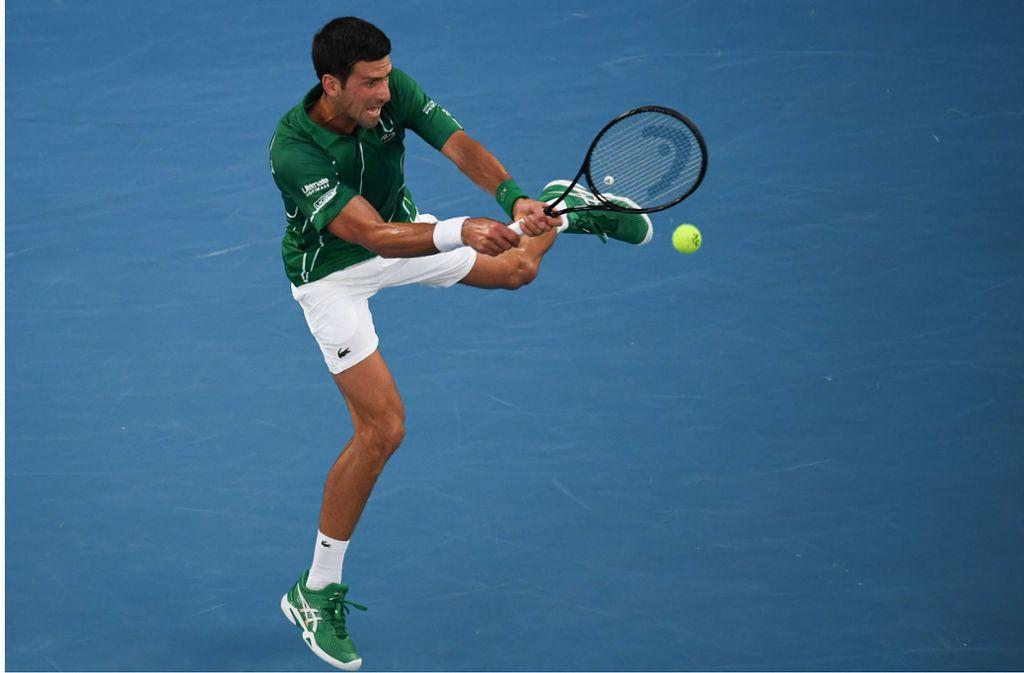 Novak Djokovic steht im Finale der Australien Open. Foto: AFP/MANAN VATSYAYANA