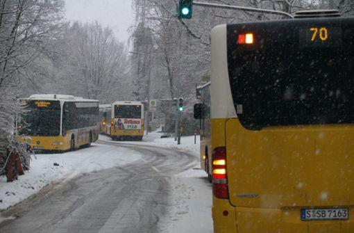 Pendler müssen lange auf Stuttgarts Busse warten