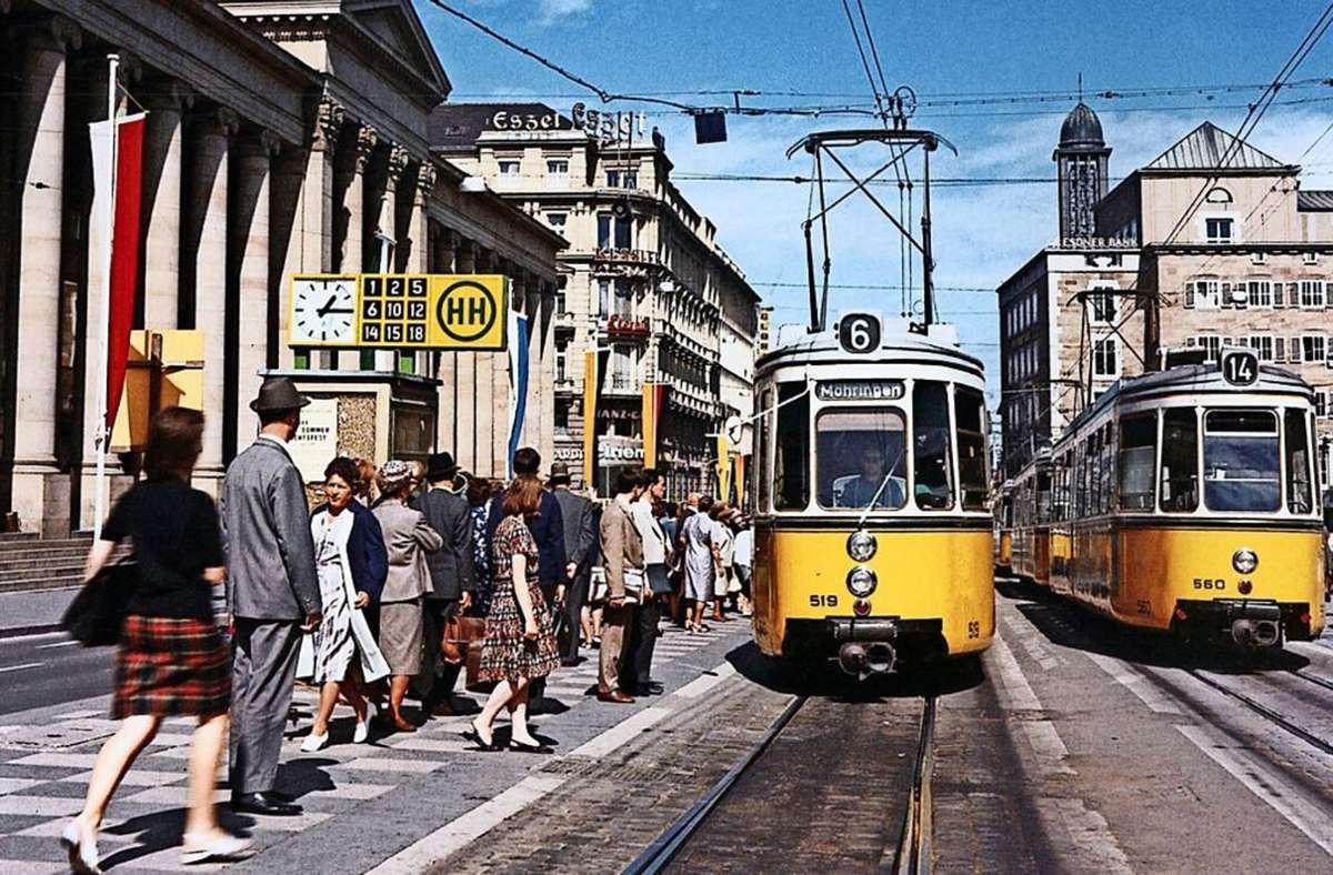 Bis zum 16. November 1978 fuhr die Straßenbahn oberirdisch über den Schlossplatz. Foto: SSB-Pressestelle