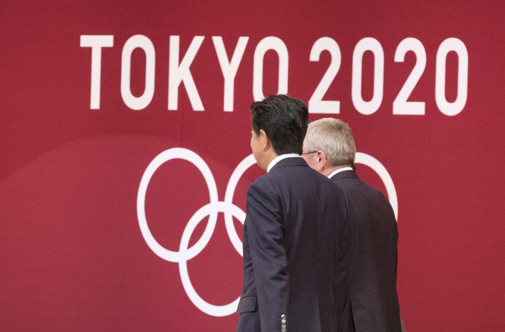 Japans Ministerpräsident Shinzo Abe soll Medienberichten zufolge der Verschiebung der Olympischen Spiele in Tokio um ein Jahr zugestimmt haben. Foto: dpa/Rodrigo Reyes Marin