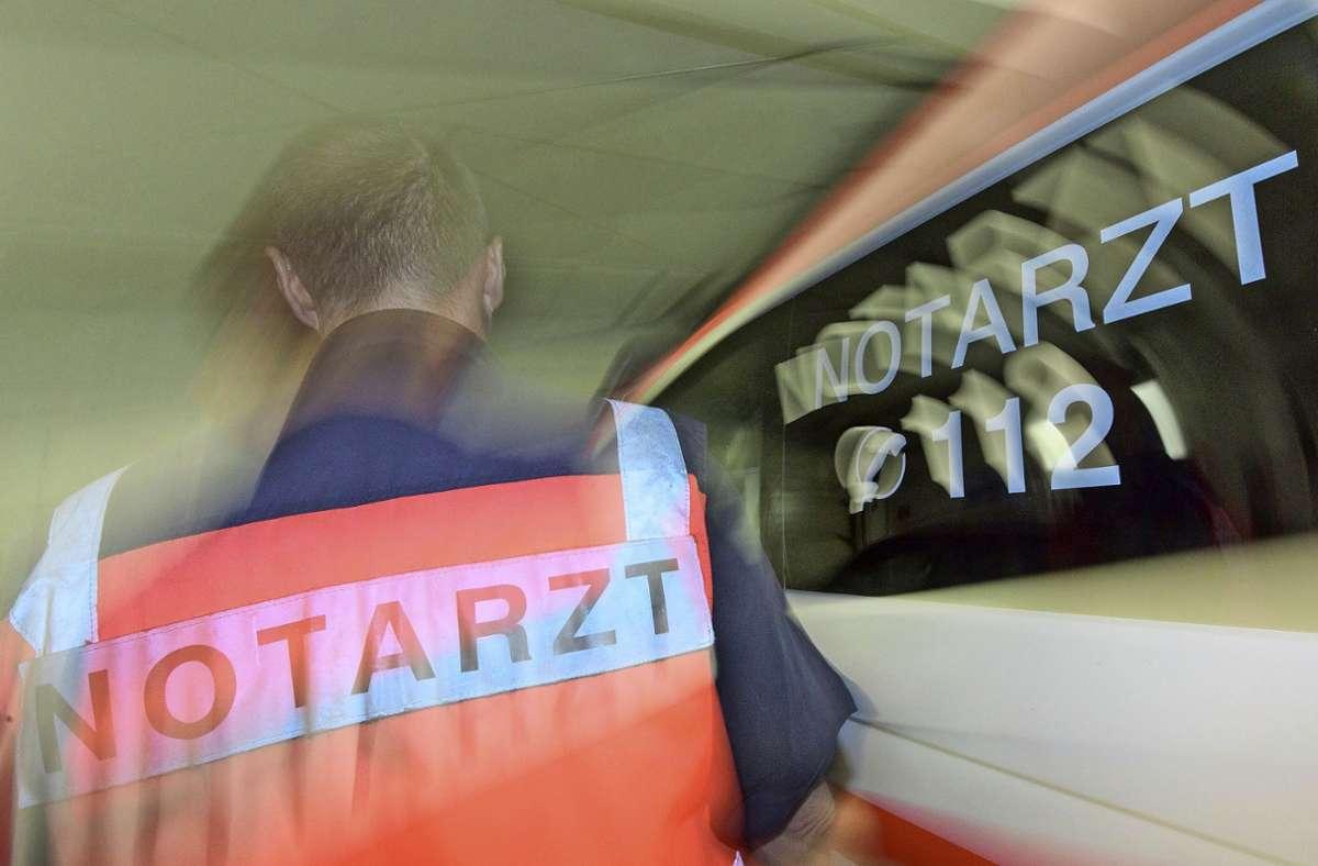 Die beiden Schwerverletzten kamen in Krankenhäuser. (Symbolbild) Foto: dpa/Patrick Seeger