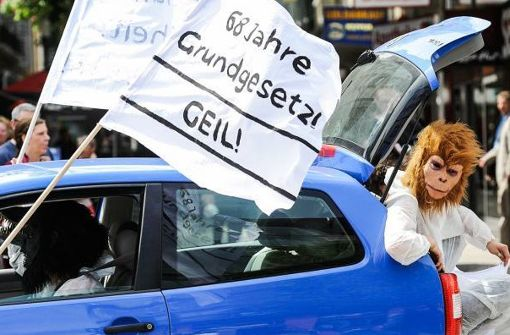 Demokratiefans in Stuttgart machen mobil