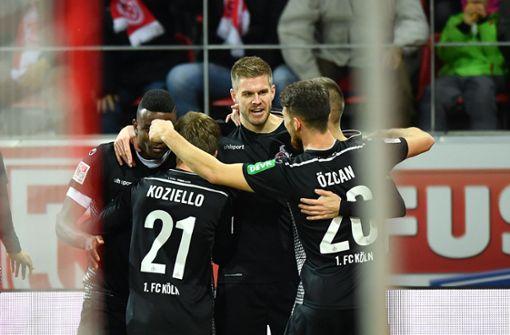 Aufstiegsanwärter 1. FC Köln und Hamburger SV gewinnen