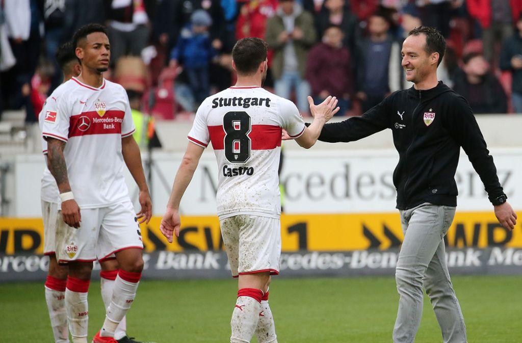 Nico Willig (rechts) will mit dem VfB Stuttgart den Klassenverbleib schaffen. Foto: Pressefoto Baumann/Julia Rahn