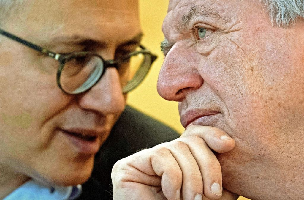 Der Wähler mag sie nicht trennen: Ministerpräsident Volker Bouffier (CDU, rechts) und Wirtschaftsminister Tarek Al-Wazir  werden auch die nächste Koalition anführen. Foto: dpa