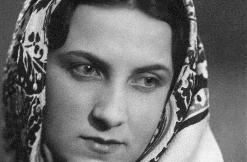 Außer ein paar alten Bildern ist Natascha Wodin nichts von ihrer Mutter übriggeblieben. Foto: Rowohlt