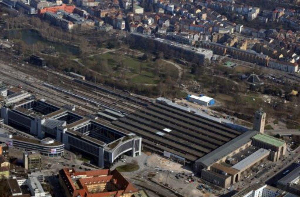 Bis die neue Landesregierung im Amt ist, ruhen die Bauarbeiten am Hauptbahnhof. Die Bahn will eine weitere Zwangspause zumindest nicht alleine finanzieren. Foto: dpa