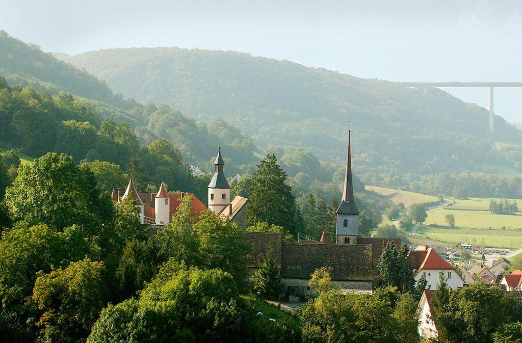 Die Kochertalbrücke auf dem Streckenabschnitt der A6 zwischen Heilbronn und Crailsheim ist mit 185 Metern die höchste Autobahnbrücke Deutschlands. Foto:
