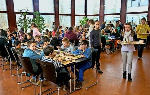 Henkersmahlzeit für die Verbundschule
