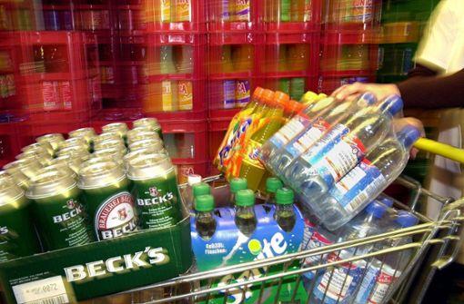 Männer starten drei Versuche, Getränkemärkte auszurauben