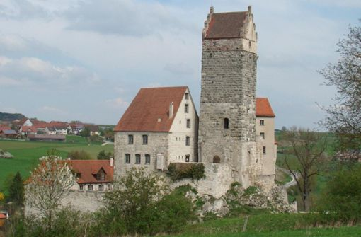 Über die Burg zum Badesee