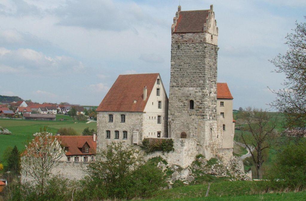 Die Wanderung führt an dieser Burg Katzenstein vorbei. Foto: Burg Katzenstein