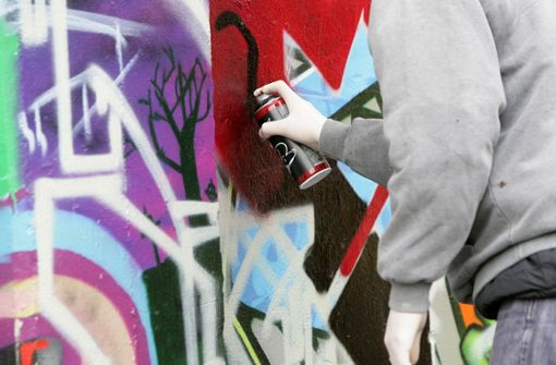 Graffiti auf S-Bahn – mutmaßlicher Sprayer gefasst