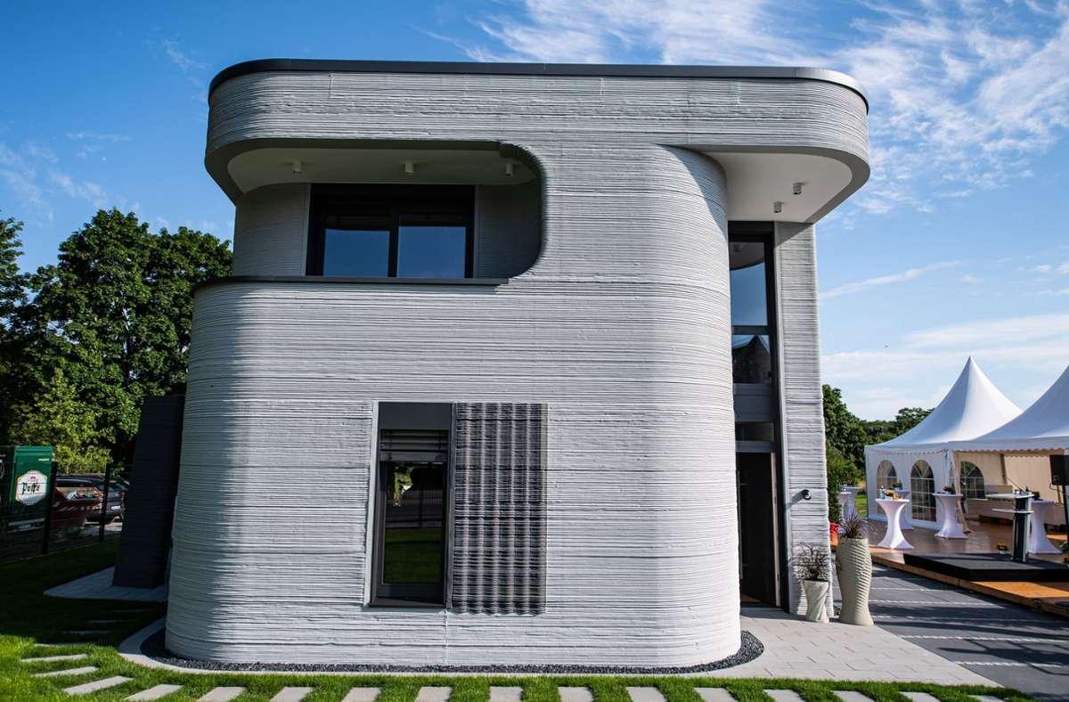 Das ist das erste Wohnhaus aus dem 3D-Drucker in Deutschland aus. Foto: dpa/Guido Kirchner