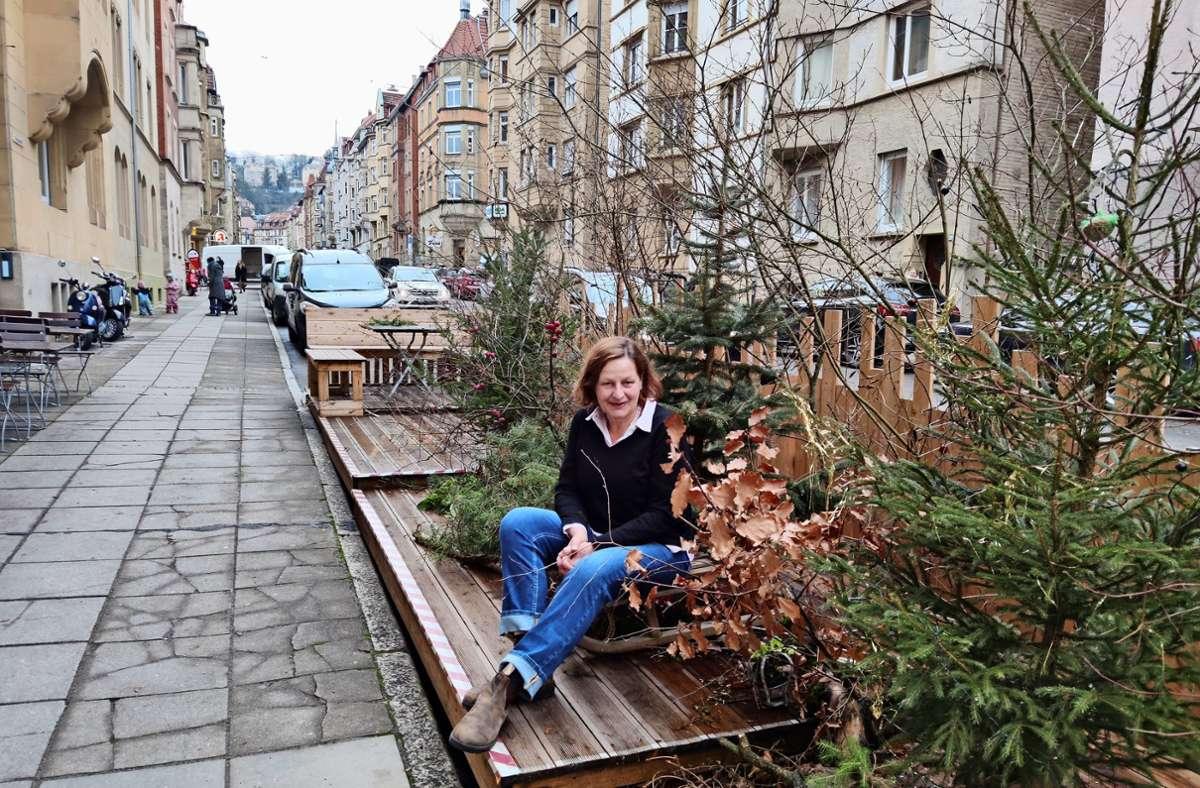 """Zu Weihnachten hatte Karin Beck ihr """"Podest"""" dekoriert. Foto: K. Wesely"""