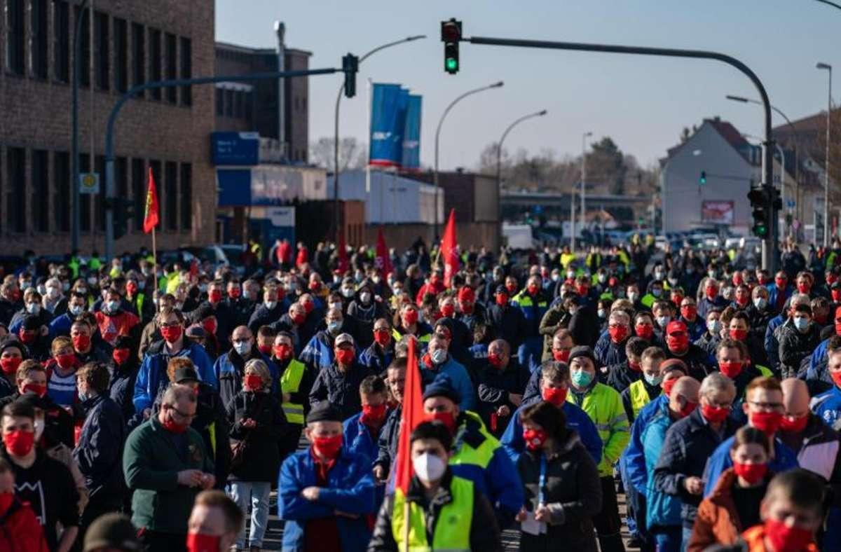 Warnstreik der IG Metall in Schweinfurt Foto: dpa