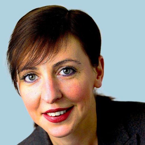 Medien: Ariane Holzhausen (wöl)
