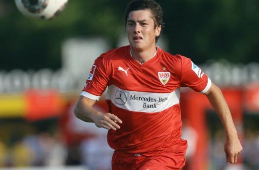 Der VfB Stuttgart muss längere Zeit auf Neuzugang Marco Rojas verzichten. Der Mittelfeldspieler erlitt im Testspiel in Crailsheim einen Bruch des Mittelfußknochens und fällt voraussichtlich vier bis sechs Wochen aus. Foto: Pressefoto Baumann