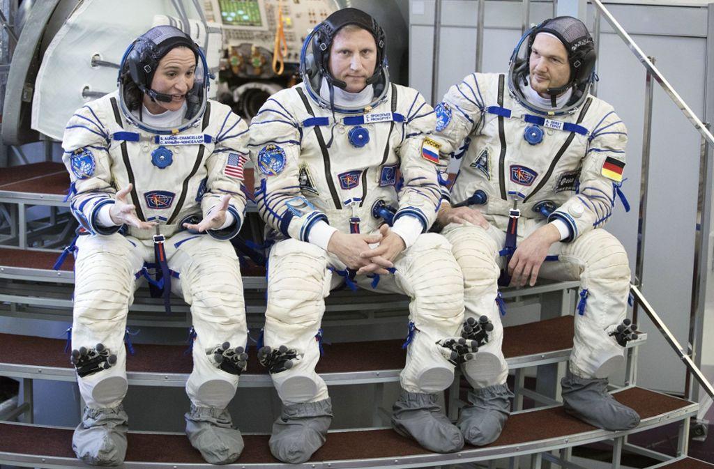 Die Besatzung (von links):  Serena  Auñón-Chancellor, Sergei Prokopyev und Alexander Gerst Foto: AP