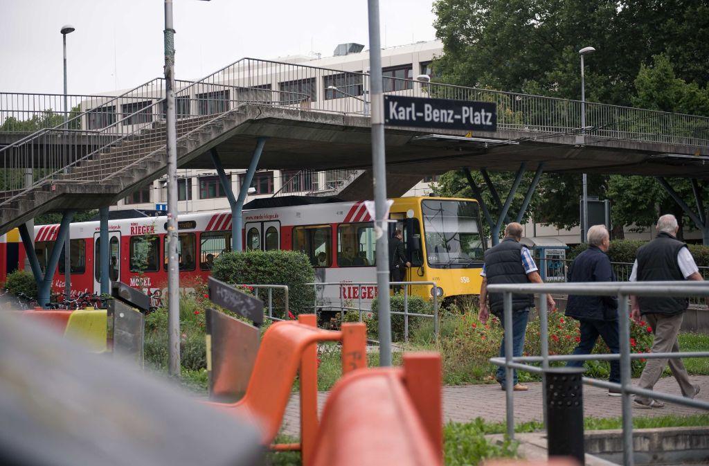 Die Stadtbahn der Linie U4 endet am Karl-Benz-Platz in Stuttgart-Untertürkheim. Foto: Lichtgut/Max Kovalenko