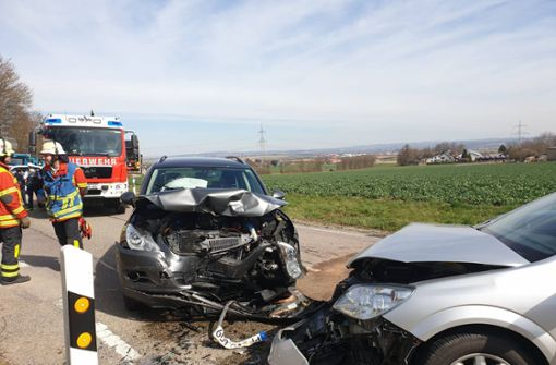 Frontalzusammenstoß bei Bönnigheim – Fahrer verletzt