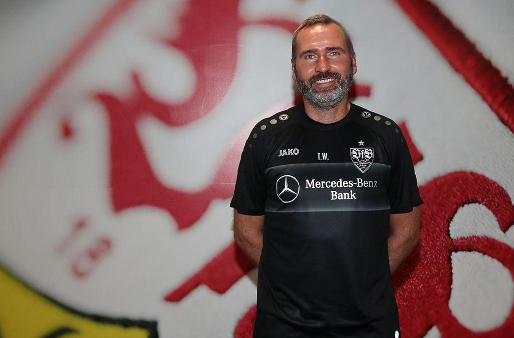 Der neue Coach Tim Walter peilt mit dem VfB Stuttgart den direkten Wiederaufstieg an. Foto: Baumann