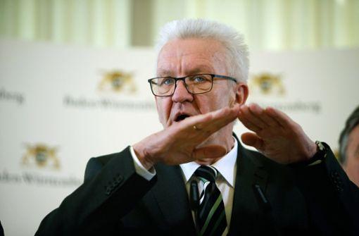 Winfried Kretschmann bittet um das Melden von Corona-Verstößen