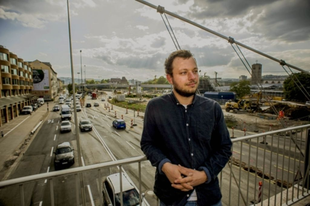 Erik Sturm hat den Dreck in der Luft künstlerisch verarbeitet. Foto: Lichtgut/Max Kovalenko