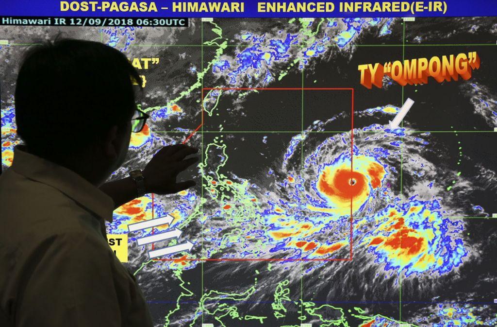 """Die Philippinen haben sich am Freitag unter Hochdruck auf die Ankunft des gefährlichen Supertaifuns """"Mangkhut"""" vorbereitet. Foto: AP"""