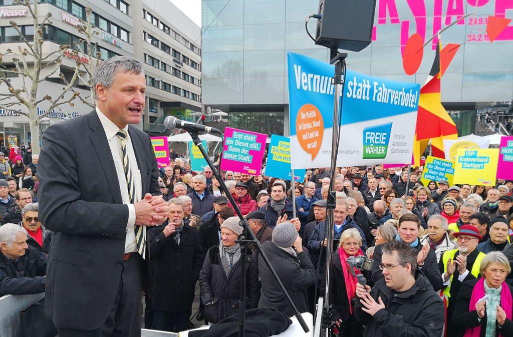 FDP-Fraktionschef Rülke auf der Diesel-Demo in Stuttgart. Foto: Fotoagentur Stuttgart