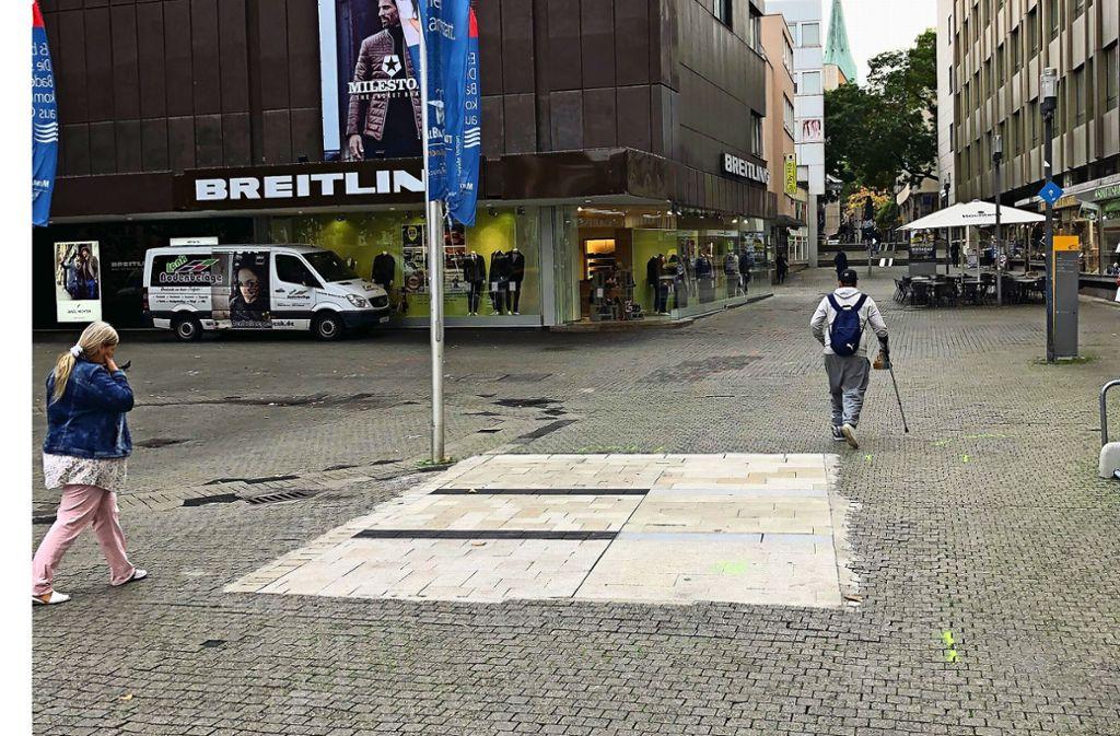 Die Testfläche mit dem künftigen Bodenbelag für den Marktplatz wurde wegen Schäden  bereits erneuert. Foto: Martin Haar