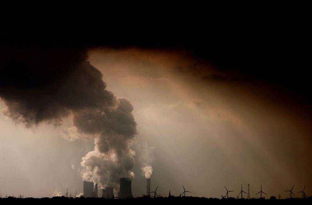 Deutschland wird sein Klimaziel 2020 nicht rechtzeitig erreichen. Zu diesem Schluss kommt eine Studie des Deutschen Instituts für Wirtschaftsforschung, die Greenpeace in Auftrag gegeben hat. Foto: dpa/Oliver Berg