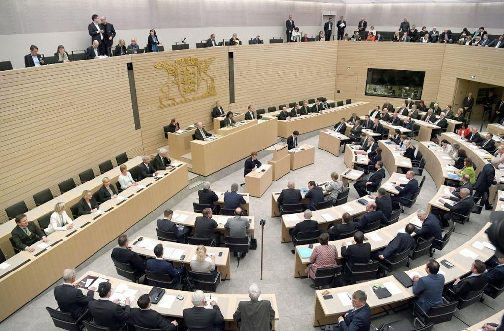 Das Bürgerforum zur Altersversorgung der Abgeordneten wendet sich gegen die Rückkehr zur Staatspension  für die Parlamentarier. Foto: dpa