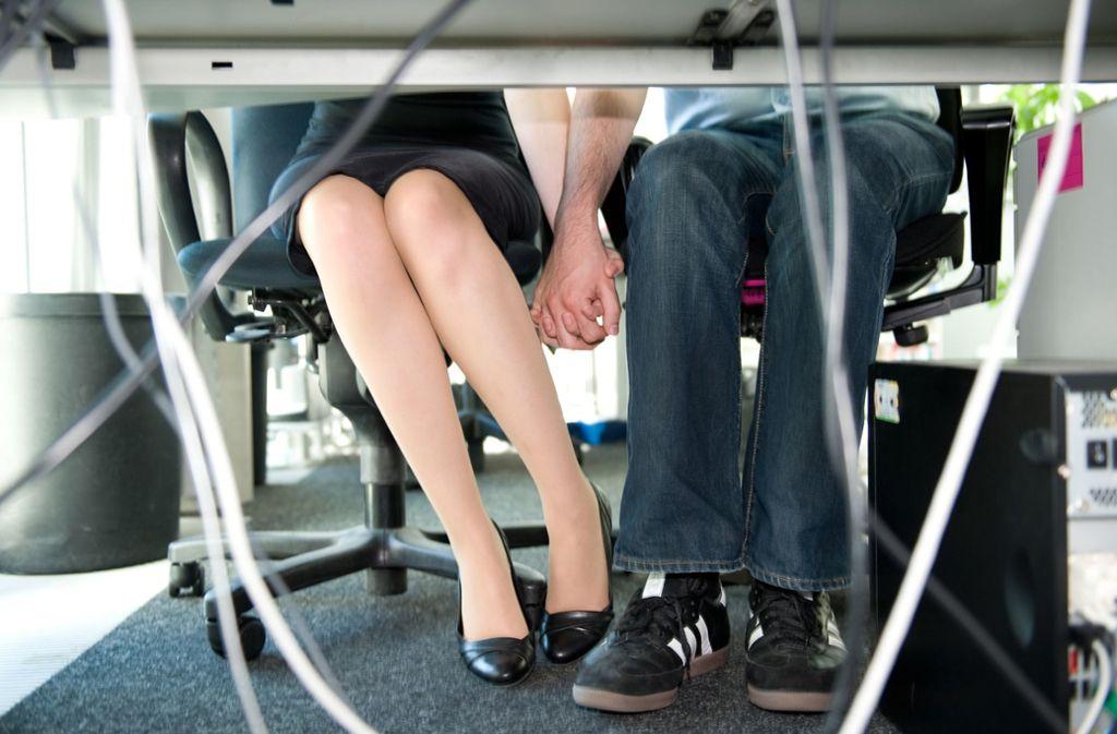 65 Prozent der Beschäftigten hatten schon sexuelle Fantasien, in denen Kollegen eine Hauptrolle spielten. Foto: dpa